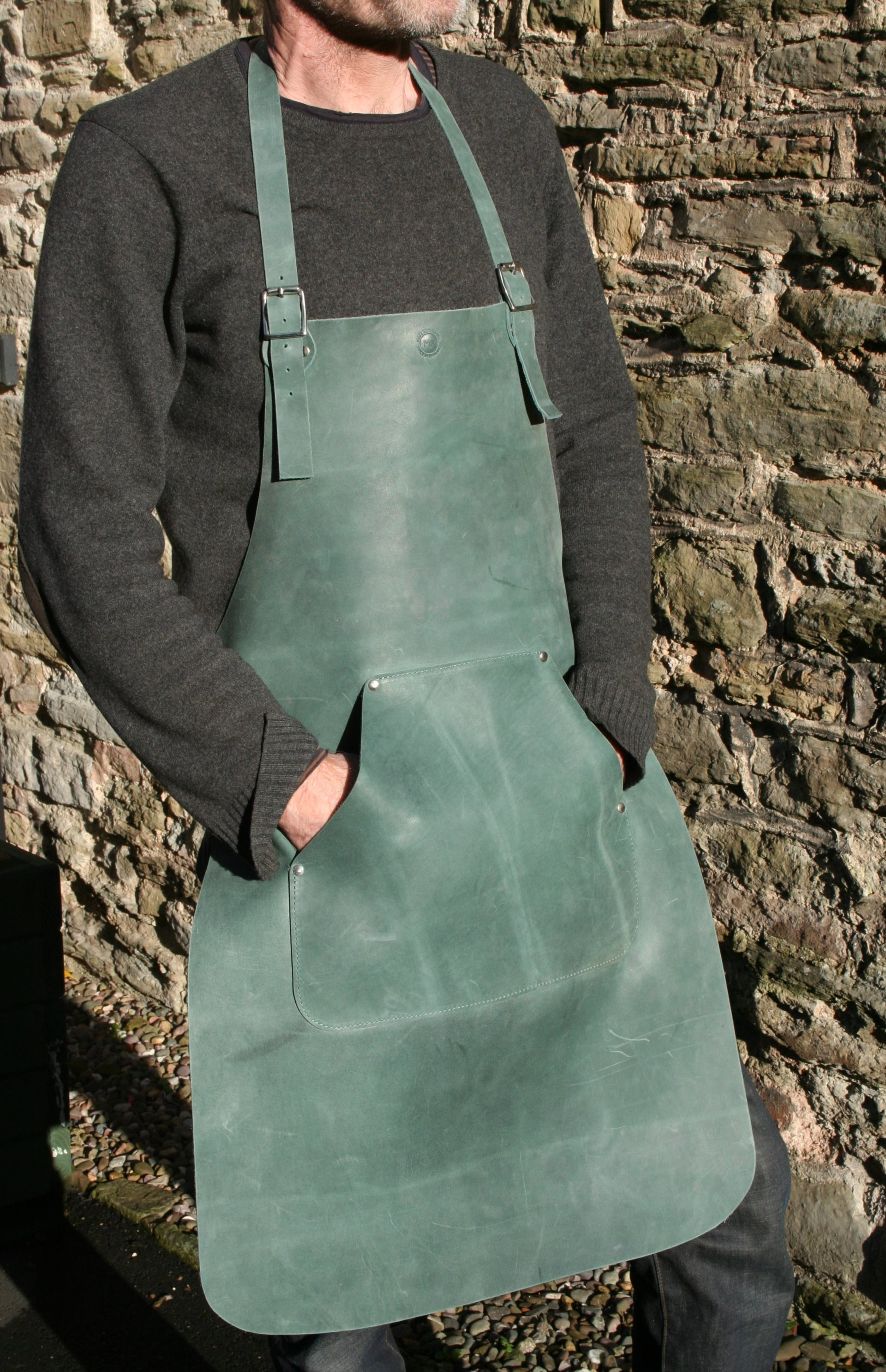 Apron with Pouch Pocket